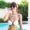 May bikini nơ cực xinh ra biển
