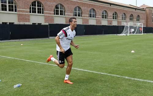 Ronaldo trở lại: Một người khỏe, cả đội vui - 1