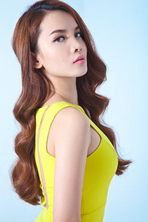 Yến Trang sexy bên hotboy phim đồng tính Thái Lan - 7