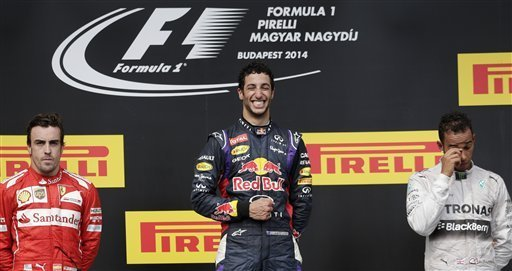 F1 - Hungarian GP: Phía sau vạch đích (P1) - 1