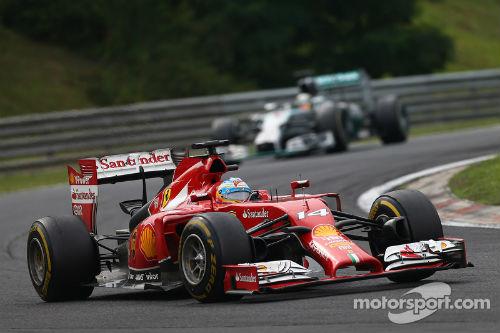 F1 - Hungarian GP: Phía sau vạch đích (P1) - 2