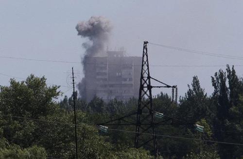 Dừng điều tra vụ MH17 rơi do giao tranh ác liệt ở Ukraine - 2