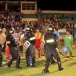Bóng đá - Nắn lại V-League để có con đường chuyên nghiệp