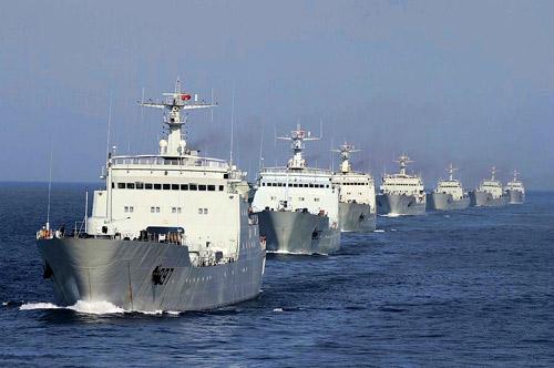 """TQ tung 50.000 """"vũ khí bí mật"""" xuống Biển Đông - 1"""
