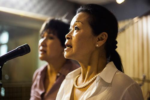 Khánh Ly ôm eo Lệ Thu tập hát - 5