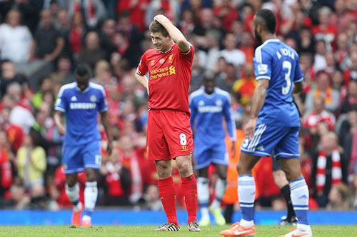 """Sau """"cú ngã lịch sử"""", Gerrard tin Liverpool vô địch - 1"""