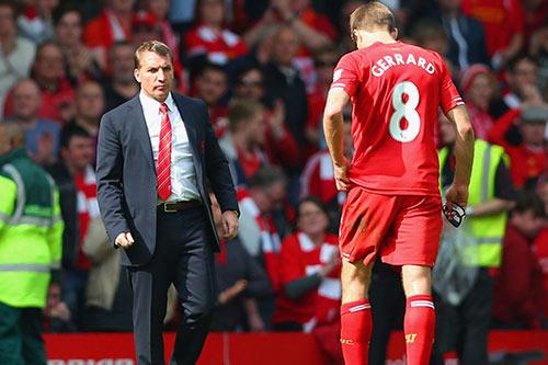 """Sau """"cú ngã lịch sử"""", Gerrard tin Liverpool vô địch - 2"""
