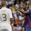 Vì thù xưa Keita không bắt tay, ném chai nước vào Pepe