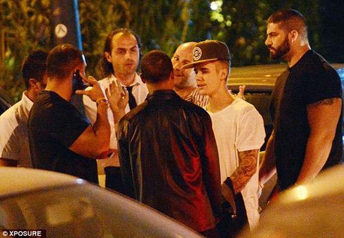 Orlando Bloom đấm vào mặt Justin Bieber vì ghen - 2