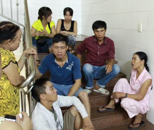 Huế: Bệnh nhi chết bất thường, người nhà vây bệnh viện - 2