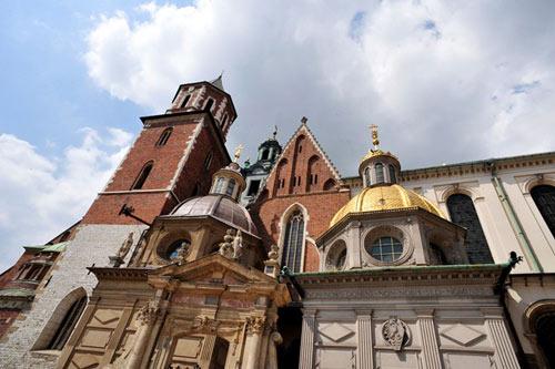 Đẹp tráng lệ cung điện Hoàng gia cổ ở Ba Lan - 5