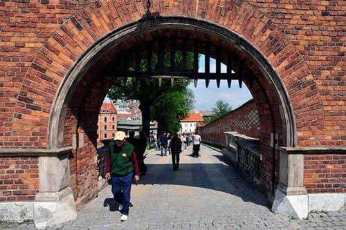 Đẹp tráng lệ cung điện Hoàng gia cổ ở Ba Lan - 10