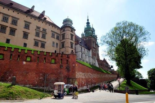 Đẹp tráng lệ cung điện Hoàng gia cổ ở Ba Lan - 12