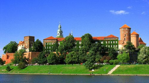 Đẹp tráng lệ cung điện Hoàng gia cổ ở Ba Lan - 2