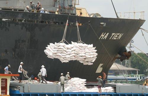 Nghịch lý: Xuất khẩu VN mang lợi cho người ngoài - 1