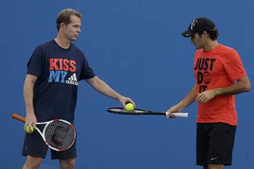 Federer bị thầy chê về cú trái tay sở trường - 1
