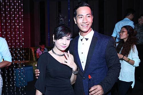 Vợ cũ Thái Hòa sánh đôi cùng trai trẻ - 2
