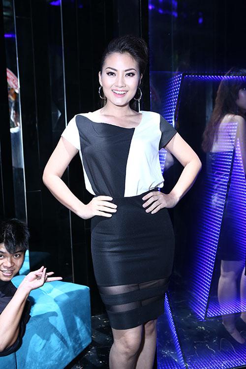 Vợ cũ Thái Hòa sánh đôi cùng trai trẻ - 11