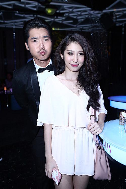 Vợ cũ Thái Hòa sánh đôi cùng trai trẻ - 9