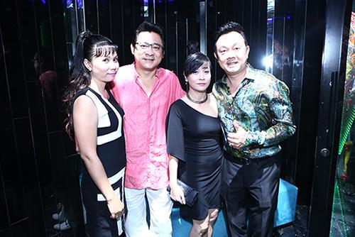Vợ cũ Thái Hòa sánh đôi cùng trai trẻ - 4