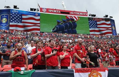 Vượt CK World Cup, trận Real - M.U có 109.000 khán giả đến sân - 1