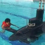 Tin tức trong ngày - Tàu ngầm xuất ngoại: Điều khiển dễ hơn đi… xe đạp