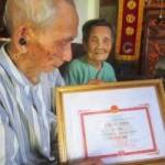 Tin tức trong ngày - Gặp đôi vợ chồng cao tuổi nhất Việt Nam