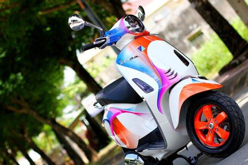Vespa Primavera sơn phối màu hình nền điện thoại Sony - 4