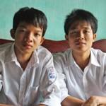 Giáo dục - du học - Đôi bạn thân nghèo cùng thành thủ khoa