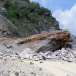 Tin tức trong ngày - Nổ mìn khai thác đá, 5 công nhân thiệt mạng