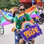 Bạn trẻ - Cuộc sống - Người đồng tính đạp xe khắp phố Hà Nội