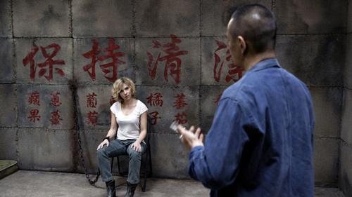 """Scarlett Johansson """"lột xác"""" thành nữ tặc buôn ma túy - 4"""