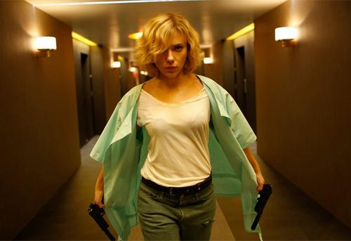 """Scarlett Johansson """"lột xác"""" thành nữ tặc buôn ma túy - 3"""
