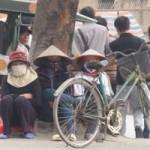 """Truyện ngắn  """" NHÀ QUÊ RA PHỐ """"  (21): Nỗi buồn chợ người"""