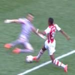 Bóng đá - Arsenal mất trắng quả penalty