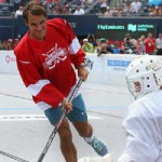 Thể thao - Federer luyện hockey để chinh phục Rogers Cup
