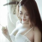 Bạn trẻ - Cuộc sống - Hot girl Nu Phạm làm nhà thiết kế gợi cảm