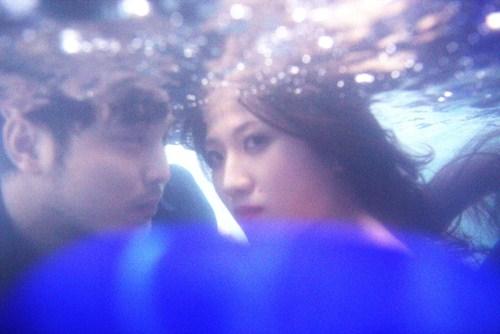 Ưng Hoàng Phúc, Trang Pháp ngâm mình dưới nước chụp ảnh - 4