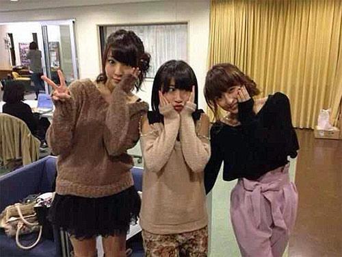 """Thiếu nữ Nhật rộ mốt chụp ảnh """"giả đau răng"""" - 5"""