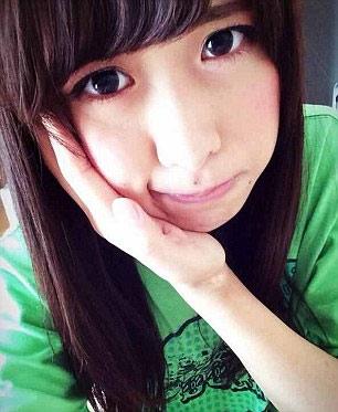 """Thiếu nữ Nhật rộ mốt chụp ảnh """"giả đau răng"""" - 8"""