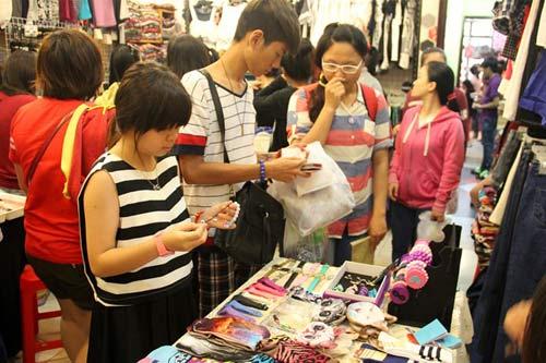 Đi chợ sale săn hàng độc, giá rẻ ở Sài Gòn - 2