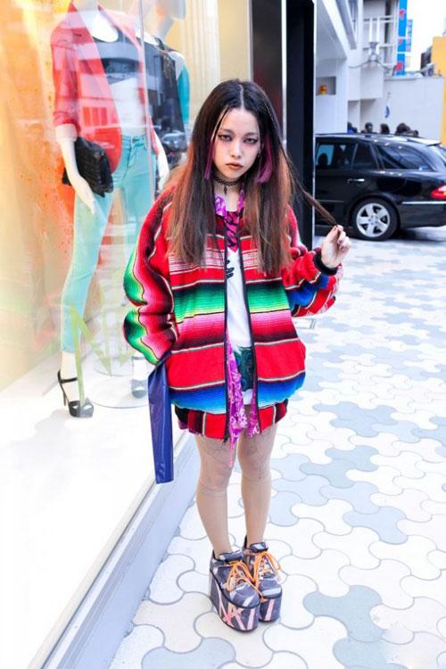 Phong cách lập dị của người mẫu cao dưới 1m6 - 8