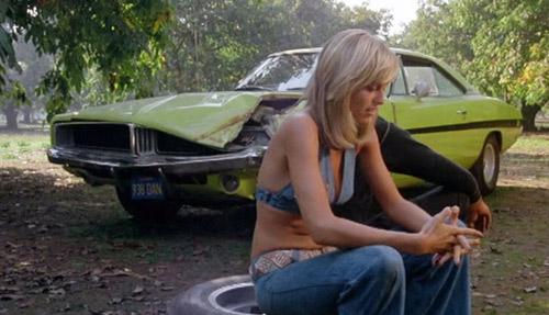 """Video cảnh rượt đuổi phim """"Dirty Mary, Crazy Larry"""" - 1"""
