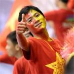 """Bóng đá - """"Fan đặc biệt"""" bỏ tiền túi đi Brunei tiếp lửa U19 VN"""