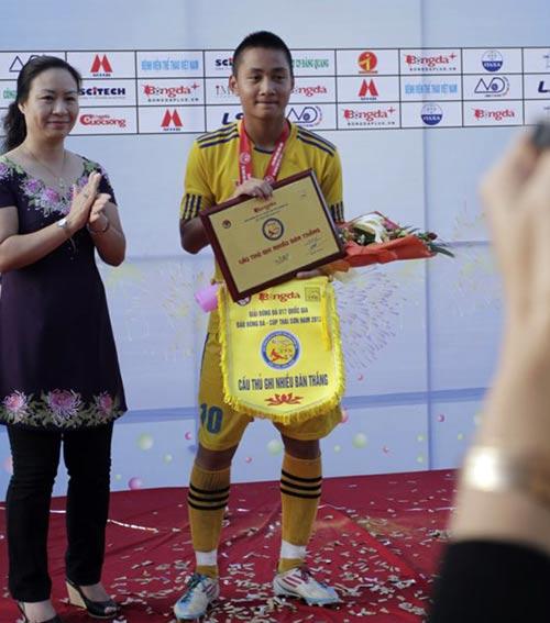 """Tuấn Tài: """"Truyền nhân của Văn Quyến"""" lên tuyển U19 - 2"""