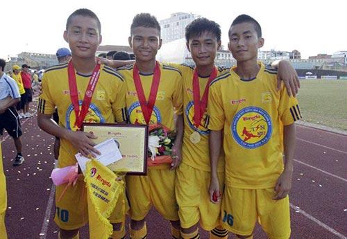 """Tuấn Tài: """"Truyền nhân của Văn Quyến"""" lên tuyển U19 - 1"""