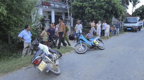 Đi xe máy ở nông thôn dễ chết hơn - 2