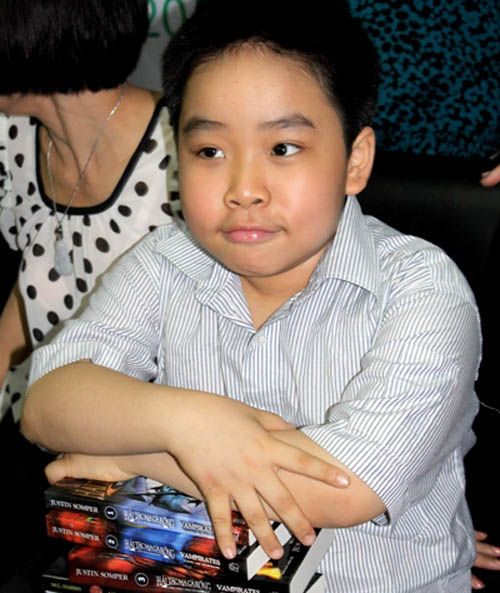 """""""Thần đồng 12 tuổi"""" làm phim về ngôi nhà """"ma"""" Kim Mã - 1"""
