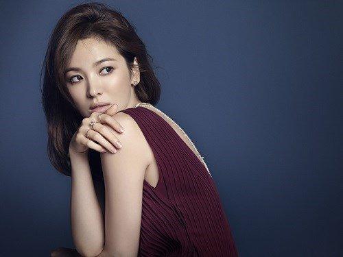 Song Hye Kyo đẹp quý phái với trang sức hàng hiệu - 2