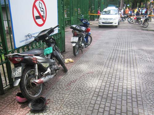 Tài xế taxi đâm chết lái xe ôm giữa Sài Gòn - 1